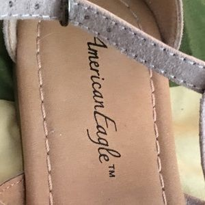 American Eagle By Payless Shoes - Tan sandals 👡